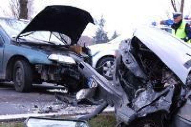 Dwie osoby ranne w kolizji w Kruszynie