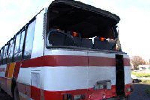 Cysterna uderzyła w autobus