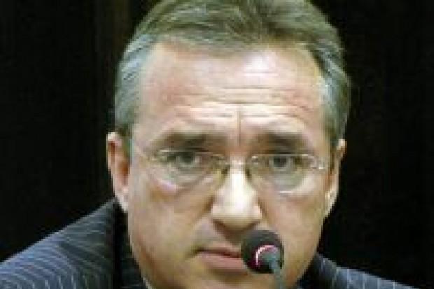 Roman zarzuca Małkowskiemu prywatę