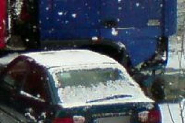 Ford Escort zderzył się z tirem