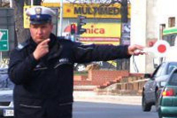 """Akcja """"Bus"""": dowody rejestracyjne 36 pojazdów zatrzymane"""