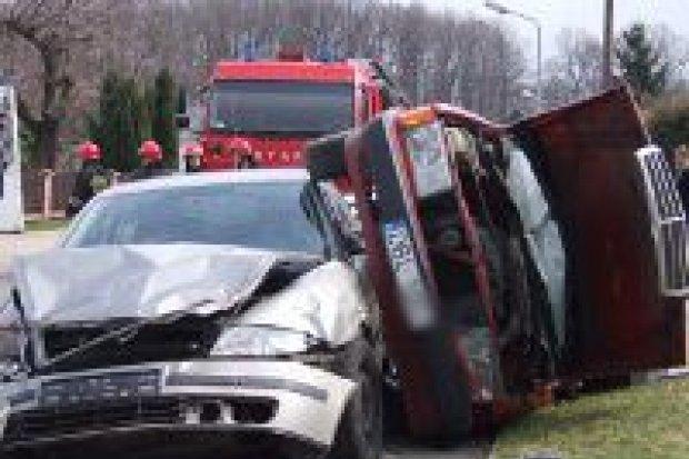 Wypadek na ul. Łąkowej – 3 osoby w szpitalu