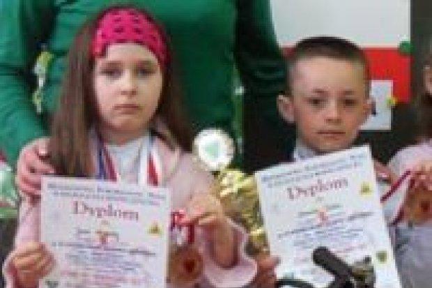 """Uczniowie SP nr 2 laureatami konkursu """"Uczę się bezpiecznie żyć"""""""