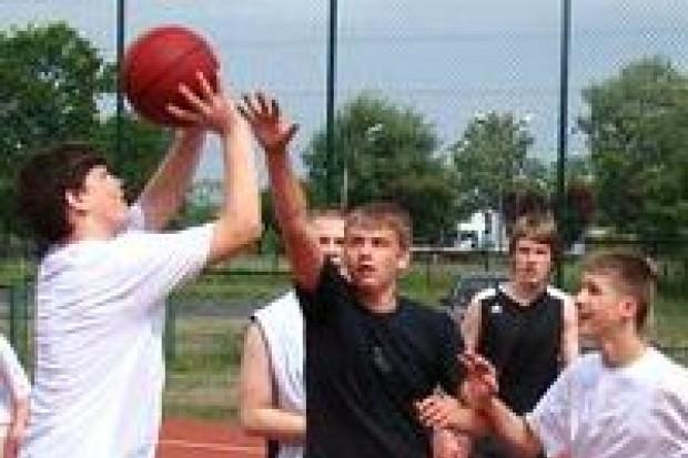 Rozegrano I Turniej Koszykówki Ulicznej