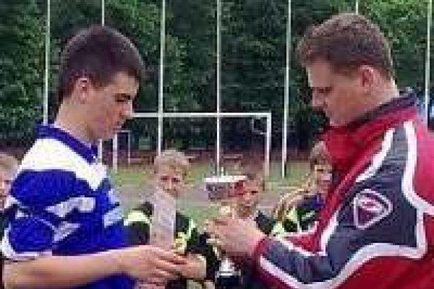 Uczniowie SP Nowogrodziec piłkarskimi mistrzami strefy