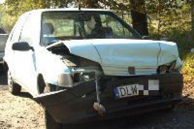 Opel i Peugeot zderzyły się koło Nowych Jaroszowic