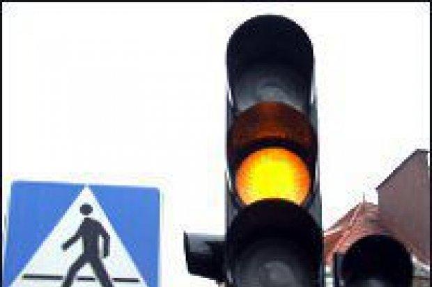 Sygnalizacja świetlna na ważnym skrzyżowaniu
