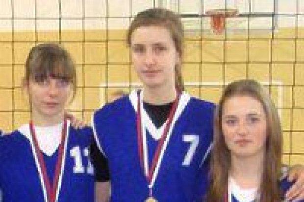 Dziewczęta z II LO mistrzyniami strefy w siatkówce