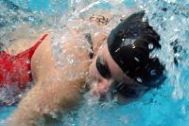 GS nr 2 i II PG najlepsze w sztafetach pływackich