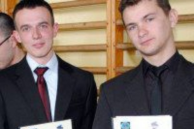 Uczniowie ZSHiU otrzymali certyfikaty unijne