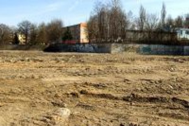 Jeleniogórska: market Stokrotka ma powstać w 2012 r.