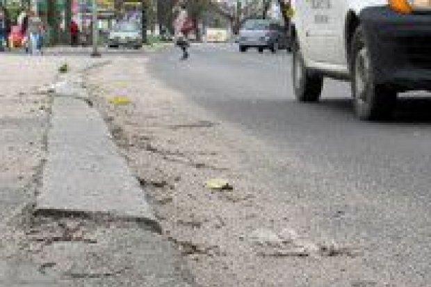 Brud i bałagan na drogach utrzymywanych przez powiat