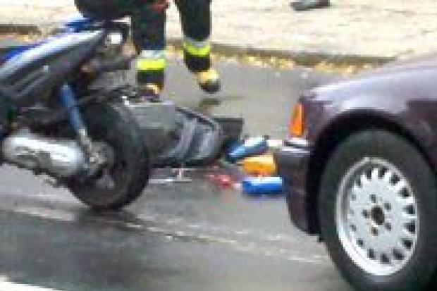 Pijany kierowca potrącił skuterzystę