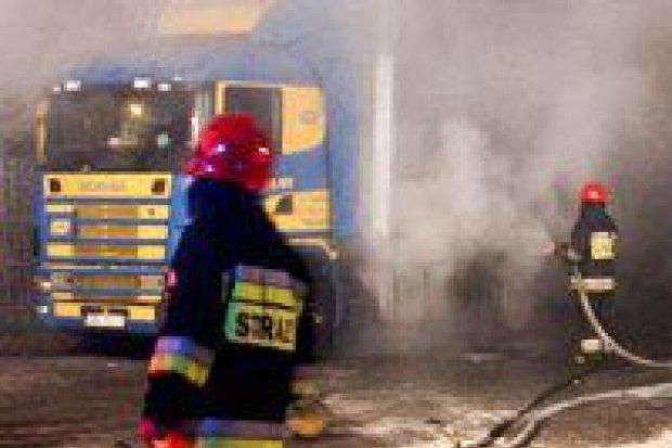 Dwa tiry płonęły na stacji Orlen