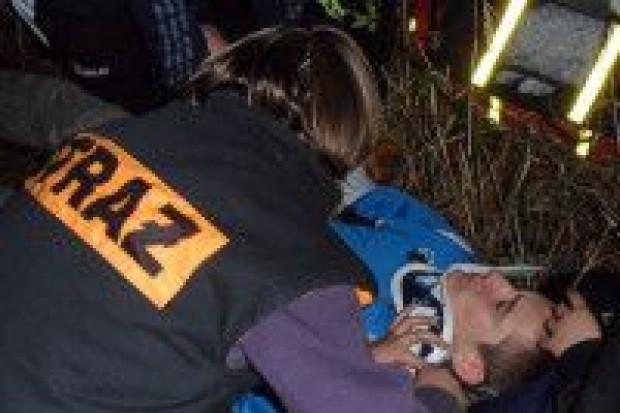 Nocne manewry młodych strażaków z Osiecznicy