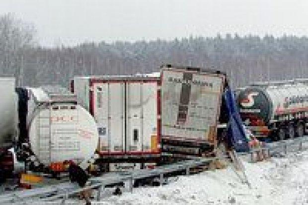 15 samochodów zderzyło się na A4