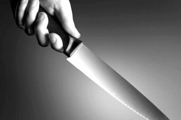 25-letni recydywista groził nastolatkowi nożem i wyrwał mu telefon