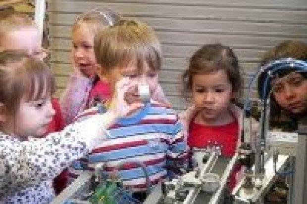 """Czym skorupka za młodu…, czyli przedszkolaki w """"mechaniku"""""""