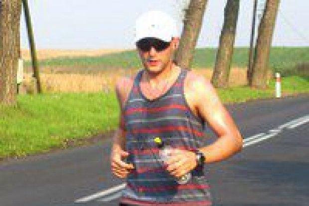 Ultramaratończyk z Bolesławca pobiegnie dla dzieci