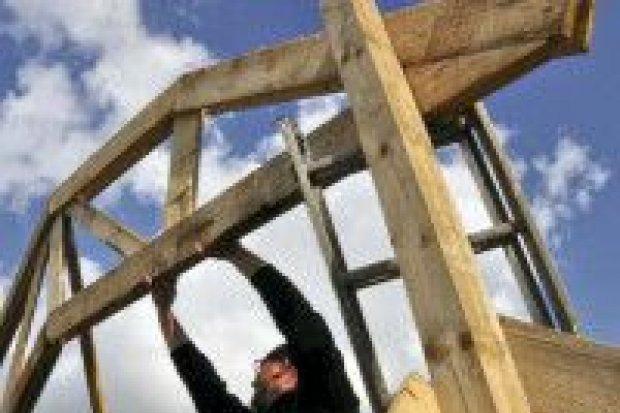 Wyjątkowe warsztaty: stwórz dom z... drewna, słomy i gliny