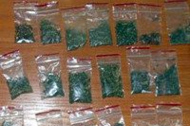 19-latek wpadł z marihuaną
