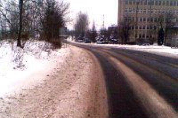 Problem z chodnikami przy Modłowej