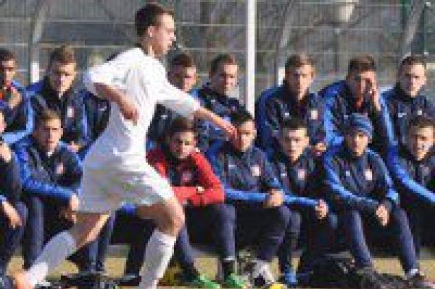 Maciej Szewczyk w piłkarskiej kadrze U19