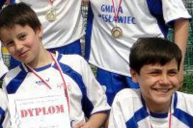 Piłkarze z Kruszyna najlepsi w gminie