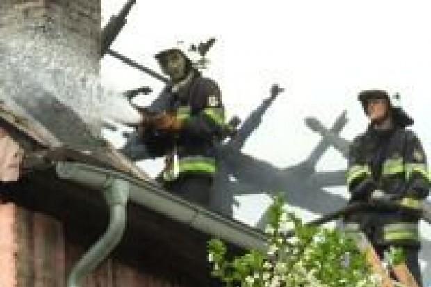 Pożar domu w Dąbrowie Bolesławieckiej