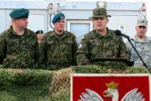 Przekazanie obowiązków dowódcy PKW KFOR
