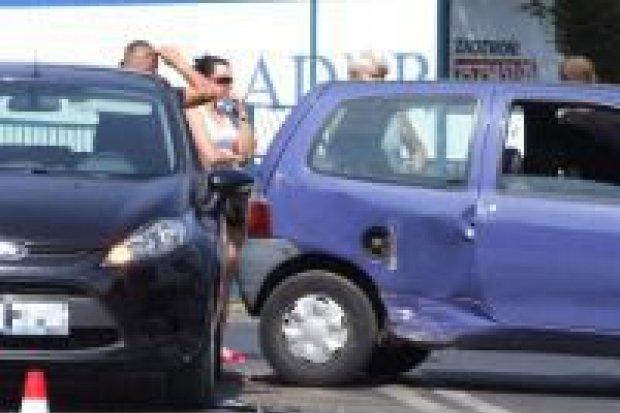 Trzy osoby ranne w kolizji 3 aut