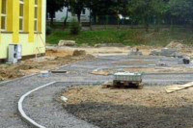 Trwa budowa miasteczka ruchu drogowego