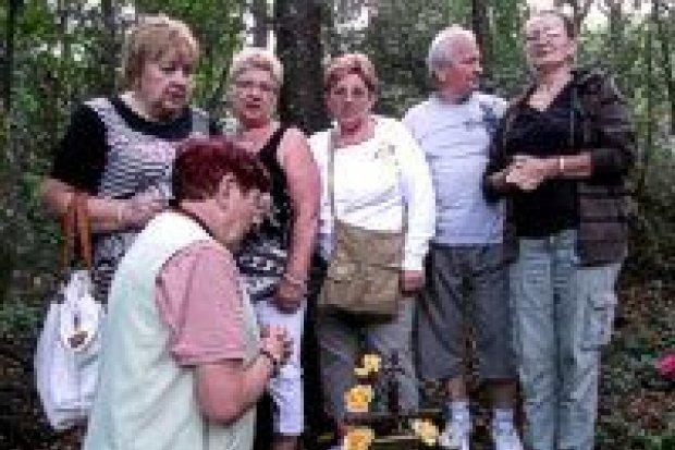 Na grobach Polaków w Bośni