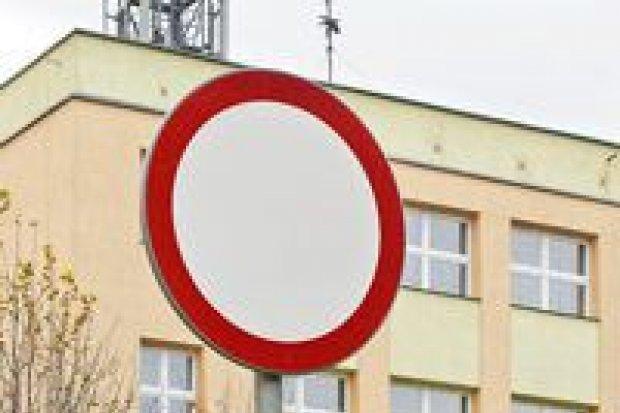 Po co zakaz ruchu przy II LO?