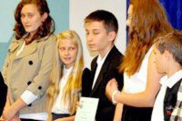 Stypendia i nagrody burmistrza wręczone