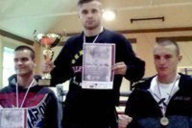 Żołnierz ze Świętoszowa mistrzem Polski w MMA