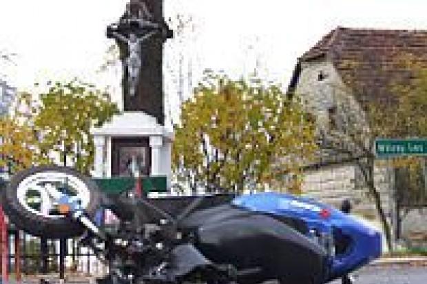 Zderzenie motorowerzysty z autem w Lubkowie