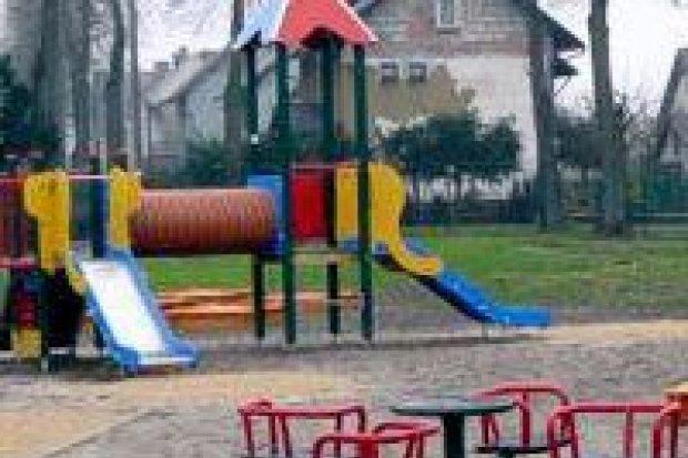 Nowy plac zabaw w Nowogrodźcu