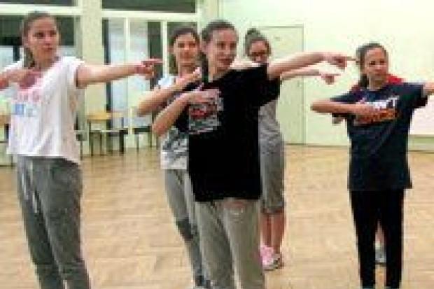 Taneczni ambasadorowie II LO