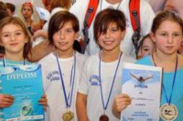Pływacy Harpuna z 10 medalami