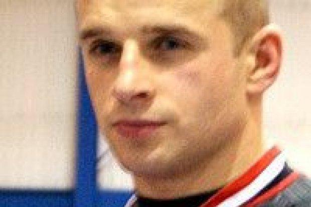 Piotr Płotka ze srebrnym medalem Amatorskiej Ligi MMA