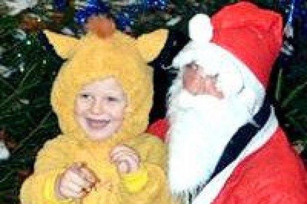 Święty Mikołaj odwiedził nowogrodzieckich strażaków