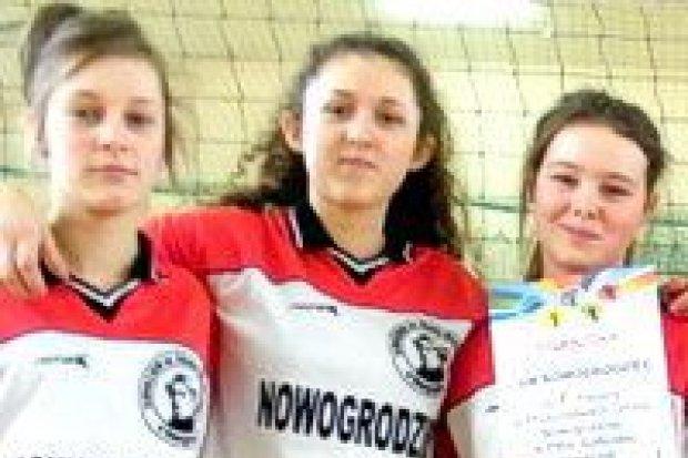 Nowogrodziec i Nowa Wieś najlepsze w siatkówce