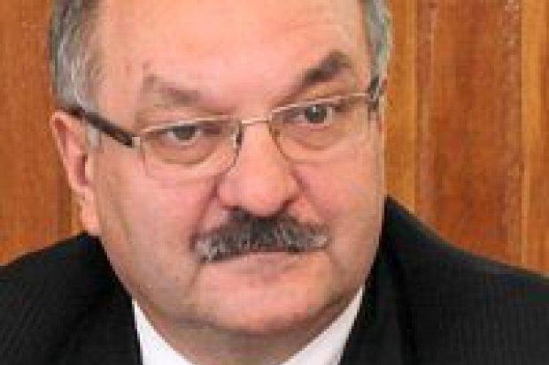 Marszałek Przybylski przeciwny cenzurze PiS