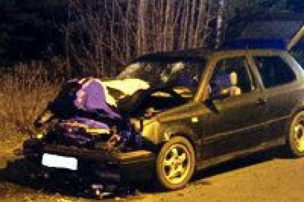 23-latek bez prawa jazdy spowodował kolizję