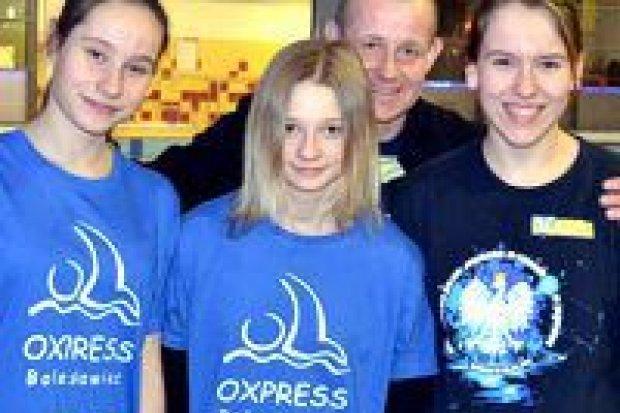 Kolejne sukcesy pływaczek UKS Oxpress