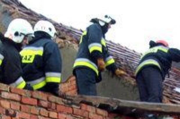 Zerwany dach w Wykrotach