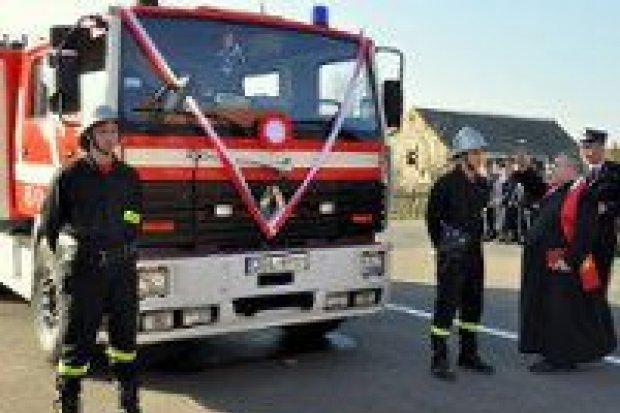 Strażacy w Czernej mają nowy samochód