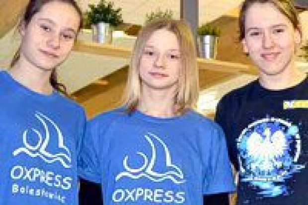Kolejny bardzo dobry występ pływaków UKS Oxpress