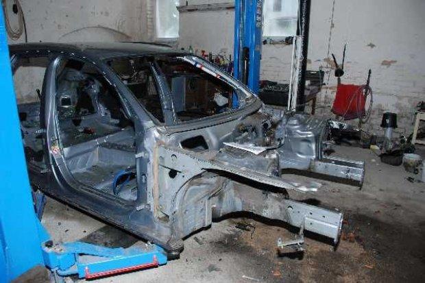 Odzyskane skradzione auto i części samochodowe, 42-latek z zarzutem paserstwa